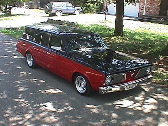 Visitors' Showcase: Ray Didlot - 1966 Valiant Wagon - 01